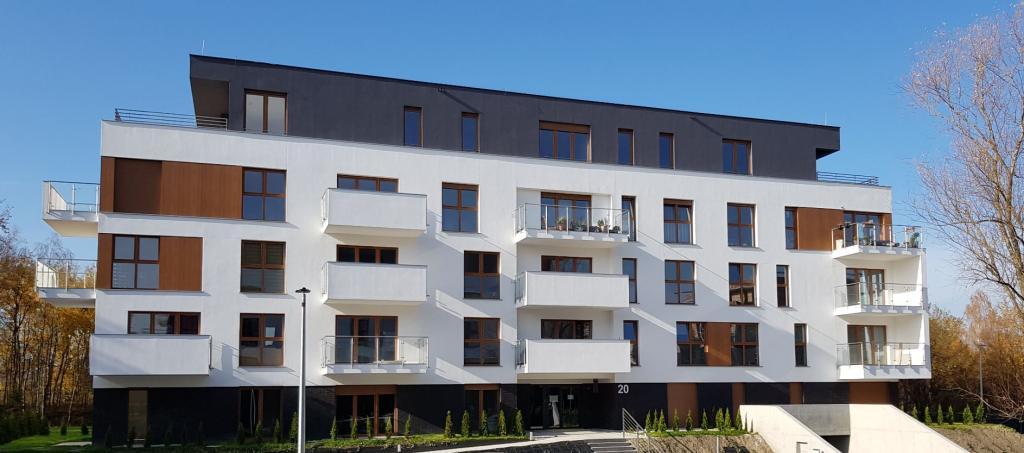 zarządzany przez ADM Property sp. z o.o. budynek Wspólnoty Mieszkaniowej przy ul. Bażantów 20 w Katowicach